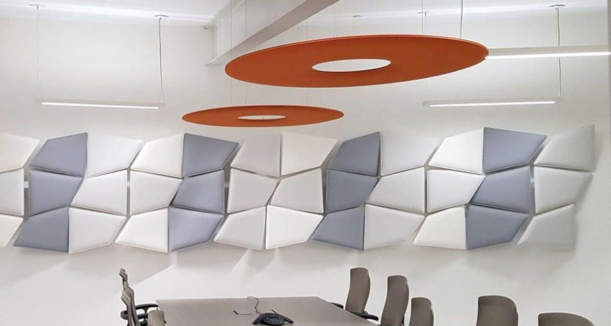 Optimierte Raumakustik und Schallschutz durch Akustik-Deckensegel